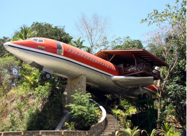 airplane home vacation rental